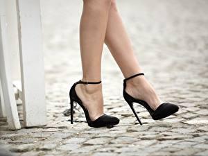 Fotos Großansicht Bein High Heels Schwarz Mädchens