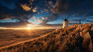 Fotos Morgendämmerung und Sonnenuntergang Himmel Grünland Spanien Lichtstrahl Sonne Mühle