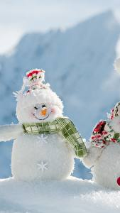 Pictures Snow Snowman Three 3 Winter hat Scarf Smile
