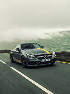 Bilder Mercedes-Benz Fahren Grau Coupe C-Class AMG C205 automobil