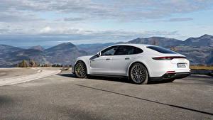 Fotos Porsche Weiß Metallisch Panamera Turbo S E-Hybrid Worldwide, (971), 2020 auto