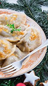 Bilder Neujahr Wareniki Ast Teller Gabel Lebensmittel
