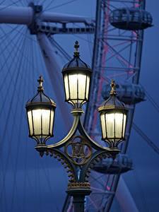 Desktop hintergrundbilder Abend England Straßenlaterne Riesenrad London London Eye Städte