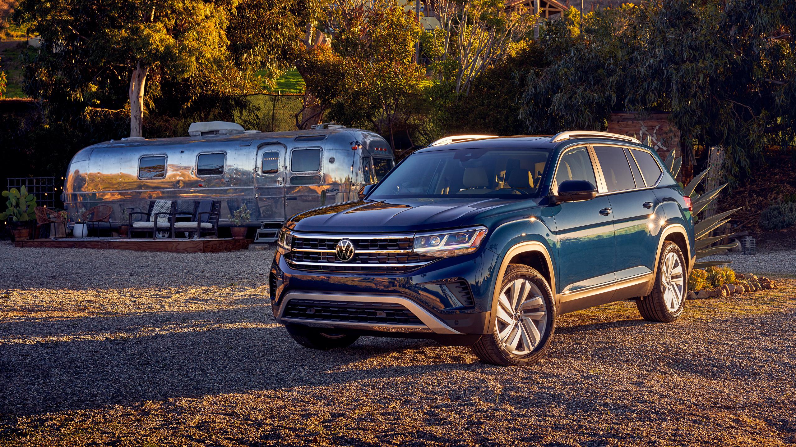Fotos Volkswagen Crossover 2021 Atlas V6 Blau Autos Metallisch 2560x1440 Softroader auto automobil