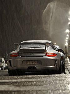 Hintergrundbilder Regen Porsche Hinten Straße gt3 Autos