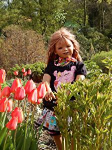 Fotos Deutschland Park Frühling Tulpen Puppe Kleine Mädchen Grugapark Essen Natur