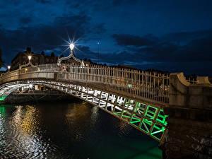 Hintergrundbilder Irland Dublin Flusse Brücken Nacht Straßenlaterne