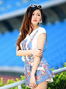 Hintergrundbilder Asiaten Unscharfer Hintergrund Pose Kleid Hand Starren Mädchens