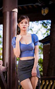 Hintergrundbilder Asiatische Pose Rock Bluse Hand Blick junge Frauen