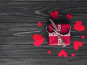 Papéis de parede Dia dos Namorados Coração Presentes Tábuas de madeira