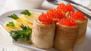 Fotos Eierkuchen Meeresfrüchte Kaviar Zitrone