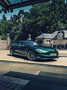Bilder Tesla Motors Grün 2018-19 RemetzCar Shooting Brake automobil