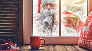 Bilder Neujahr Finger Fenster Weihnachtsmann Tasse Blick