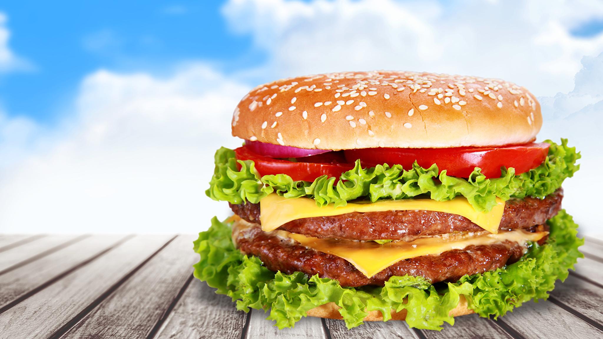 Fotos Hamburger Fast food Gemüse Lebensmittel Bretter 2048x1152 Burger