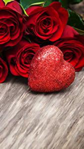 Bilder Valentinstag Rosen Bretter Rot Herz Blumen