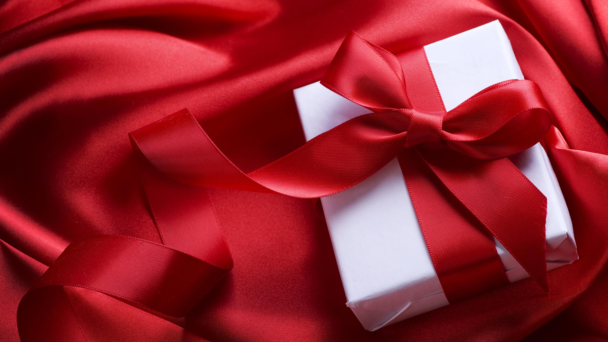 Fonds Decran 2560x1440 Saint Valentin Rouge Cadeaux Noeud