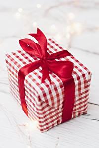 Fotos Nahaufnahme Geschenke Schleife Schachtel