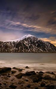 Bilder Lofoten Norwegen Abend See Steine Himmel Berg Skagsanden Beach Natur