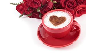 Hintergrundbilder Kaffee Cappuccino Valentinstag Herz Tasse Untertasse Weißer hintergrund Lebensmittel