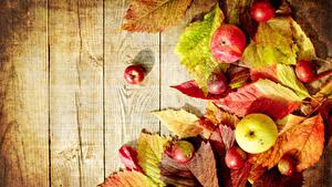 Fotos Herbst Äpfel Bretter Blatt Lebensmittel