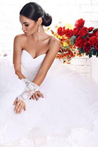 Fonds d'écran Bouquets Mariées Les robes Main Cheveux noirs Fille