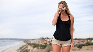 Hintergrundbilder Shorts Bein Fotoapparat Fotograf Schön Mädchens