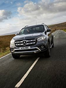 Fotos Mercedes-Benz Fahren Pick-up UK-version 2017 X-Class