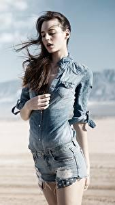 Hintergrundbilder Bokeh Braune Haare Hemd Hand Shorts