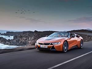 Bilder BMW Orange Fahrendes Roadster 2018 i8