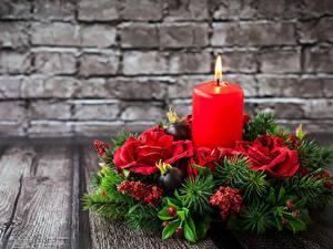 Hintergrundbilder Neujahr Kerzen Rosen Bretter Mauer Ast Design