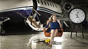 Bilder Flugzeuge Uhr Sessel Sitzend Städte