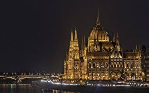 Bilder Ungarn Budapest Haus Flusse Brücke Nacht