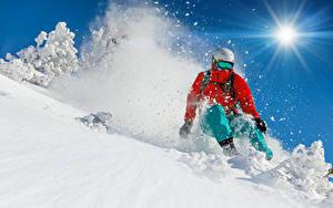 Fotos Skisport Winter Mann Schnee Sonne Helm Jacke Sport