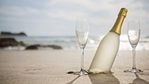 Hintergrundbilder Schaumwein Flasche Weinglas Sand Natur