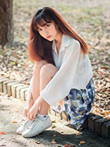 Hintergrundbilder Asiatische Bokeh Sitzend Starren junge Frauen