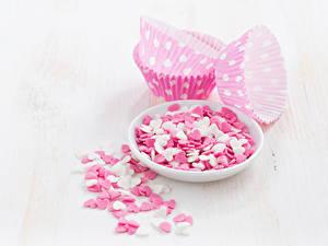 Papéis de parede Dia dos Namorados Doçarias Bala (doce) Fundo branco Prato Coração comida