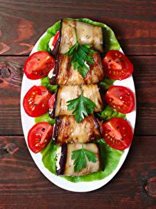 Hintergrundbilder Gemüse Tomate Aubergine Bretter Teller Lebensmittel