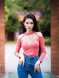 Bilder Asiaten Unscharfer Hintergrund Pose Blick junge frau