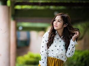 Hintergrundbilder Asiatisches Bokeh Posiert Haar Braunhaarige Nett junge frau