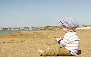 Hintergrundbilder Strand Sand Junge Sitzend Kinder