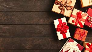Fotos Neujahr Geschenke Schleife Bretter