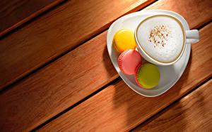 Bilder Cappuccino Kaffee Bretter Tasse Macaron Lebensmittel