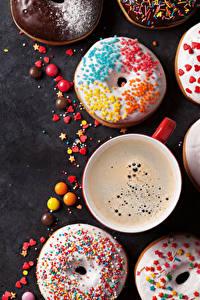 Fotos Backware Donut Kaffee Bonbon Grauer Hintergrund Tasse