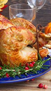 Fotos Beere Hühnerbraten Teller Lebensmittel