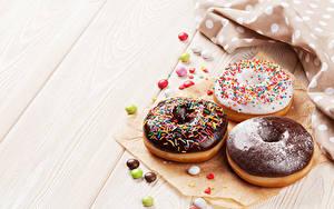 Hintergrundbilder Backware Donut Schokolade Süßigkeiten Bretter Drei 3 Lebensmittel