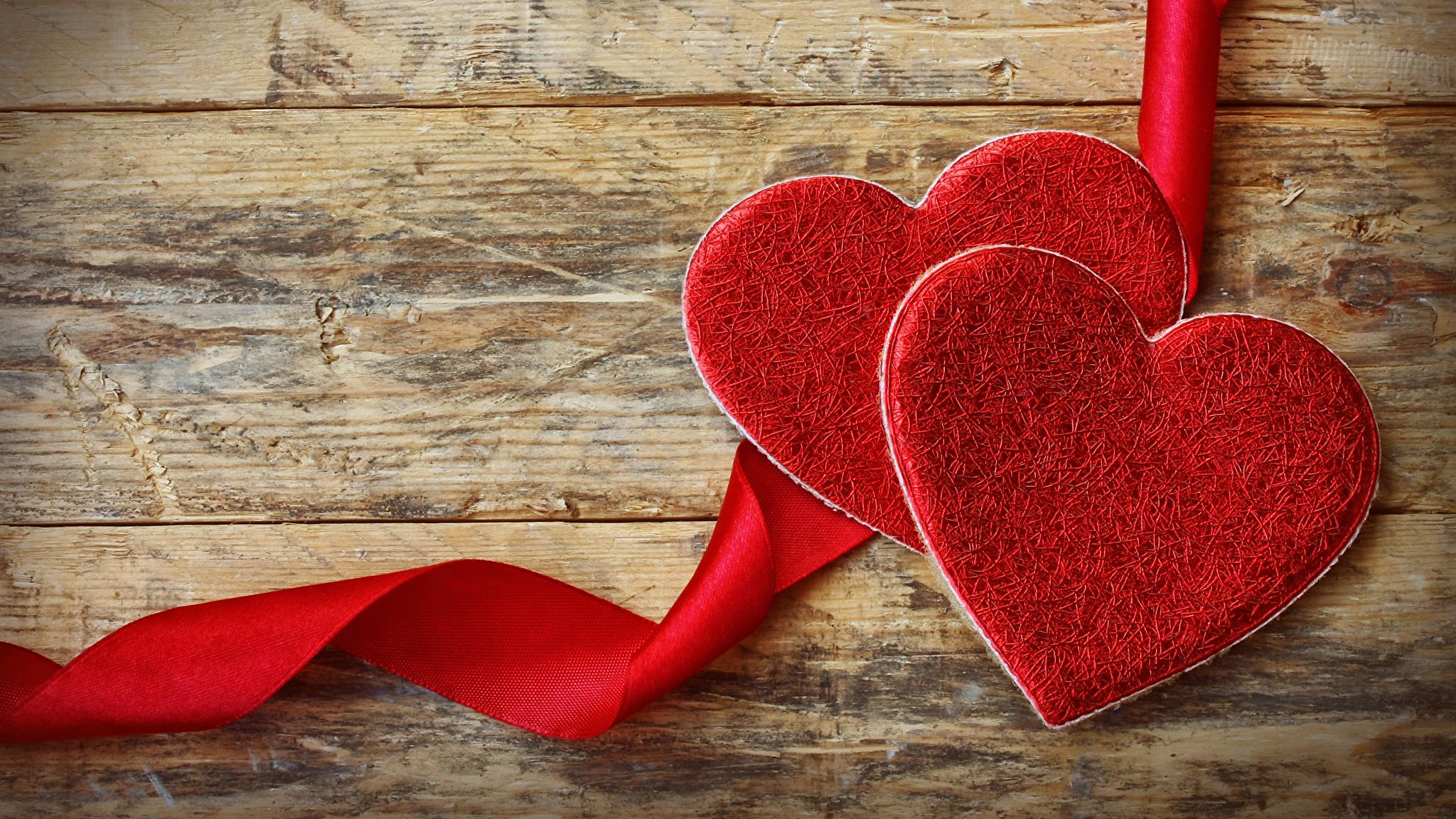 Foto Valentinstag Herz 2 Rot Band Bretter 2048x1152 Zwei
