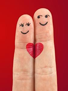 Bilder Finger Liebe Roter Hintergrund Zwei Lächeln Herz