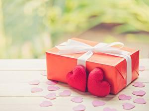 Hintergrundbilder Valentinstag Geschenke Herz Schleife