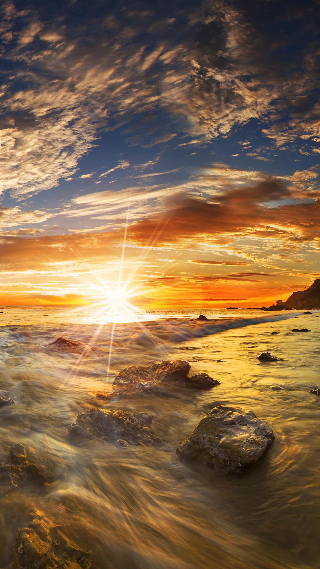 Fotos von USA Matador State Beach Malibu Natur Sonne Himmel Landschaftsfotografie Sonnenaufgänge und Sonnenuntergänge Steine Küste Wolke 1080x1920 Vereinigte Staaten