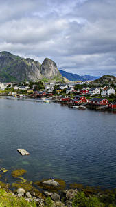 Bilder Norwegen Lofoten Haus Berg Kleine Städte Bucht Reine Städte